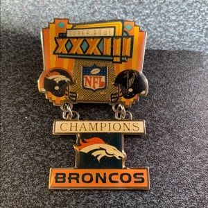 Super. Bowl XXXIII Champions Broncos Pin.